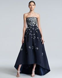 B24V5 Oscar de la Renta Embellished High-Low Gown