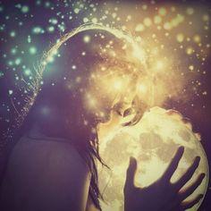 As the dark moon she presides over death. As a waxing moon, she is the creatrix. As full moon she embodies mature woman's warrior spirit. Waning she is the aging crone Divine Goddess, Moon Goddess, Goddess Art, Moon Dance, Virgo Moon, Warrior Spirit, Dark Moon, Sacred Feminine, Moon Magic