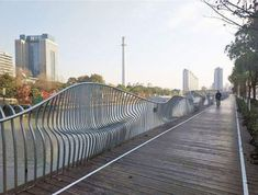 Cool fence design that provides benches!