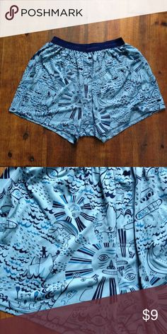 Patagonia Men's Cap Boxer Super cozy men's boxers with an awesome outdoorsy, whimsical print. Clean and in great shape, slight Pilling on the waistband due to washing and drying. Size men's large but since it has an elastic waist band, it can fit anyone size small to large. Patagonia Underwear & Socks Boxers