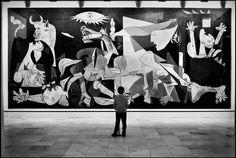 """Elliott Erwitt SPAIN. Madrid. 1995. Museo Nacional Centro de Arte Reina Sofia. """"Guernica"""" by Pablo PICASSO."""