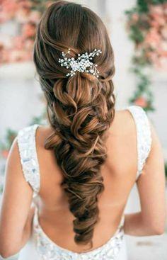 arabische-hochzeitsfrisuren-für-lange-haare- wunderschönes weißes kleid