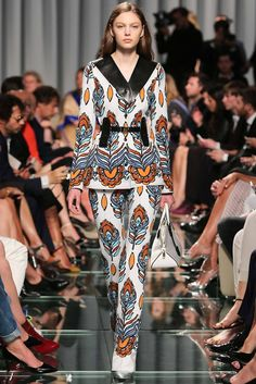 Louis Vuitton Resort 2015 Fashion Show - Marta Placzek