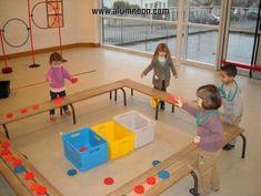 "École Maternelle Jeanne Lecourt - Bléré - cycle ""Lancer"" - ALL Pin Gross Motor Activities, Gross Motor Skills, Physical Activities, Toddler Activities, Preschool Activities, Kindergarten Games, Physical Development, Physical Education, Gym Games"