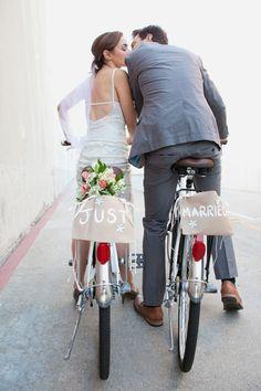 Planen Sie Ihre Hochzeit mit unserem Vorbereitungs-Countdown mit nützlichen Tipps, schönen Ideen und der Hochzeits-Checkliste zum Download!