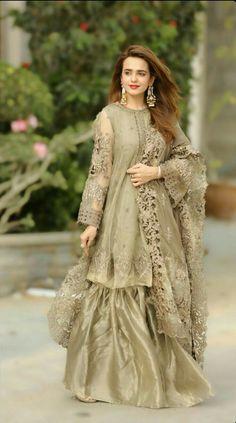 Beautiful Pakistani Dresses, Pakistani Formal Dresses, Pakistani Dress Design, Party Gown Dress, Party Wear Dresses, Dress Up, Party Gowns, Dress Lace, Pakistani Fashion Party Wear