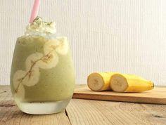 抹茶とバナナを使用したスムージーのご紹介です。