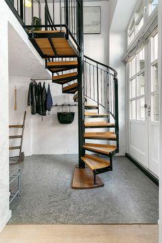 Loft Vintage-Industrial escalera de caracol.