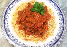 Sütőben sült szívpörkölt🍛   Törzsök Éva receptje - Cookpad receptek Evo, Risotto, Bacon, Grains, Rice, Ethnic Recipes, Seeds, Pork Belly, Laughter
