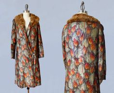 Gorgeous, shimmering, metallic lamé 1920s era flapper coat! Interesting colorful print that looks like budding flowers or candles. Metal lamé