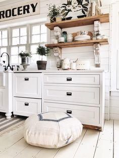 Dreamy Whites Lifestyle Cottage Decor