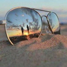 Alege corect forma ochelarilor de soare: http://www.boncafe.ro/trend-cafe-accesorii-forma-ochelarilor-de-soare-trebuie-sa-fie-opusul-formei-fetei--c7_c18_a4738