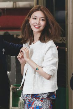 100317 Sooyoung - Bimba Y Lola Launching Fansign Event by Like A Fool Sooyoung Snsd, Kim Hyoyeon, Hair Cut Pic, Asian Short Hair, Celebs, Celebrities, Korean Women, About Hair, Girls Generation