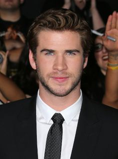 Liam Hemsworth attending The Movie Premiere of The Hunger Games: Catching Fire ¸. Hollywood Actresses, Actors & Actresses, Josh Taylor, Hemsworth Brothers, Blue Eyed Men, Australian Actors, James Mcavoy, Hot Actors, Actress Christina