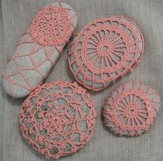 ~Gift Idea~ Coral pebbles free crochet pattern- these pebbles are perfect weights for the tablecloth and napkins - they make pretty paperweights on my desk too! Crochet Stone, Crochet Art, Thread Crochet, Knit Or Crochet, Crochet Crafts, Yarn Crafts, Crochet Projects, Crochet Bolero, Diy Love