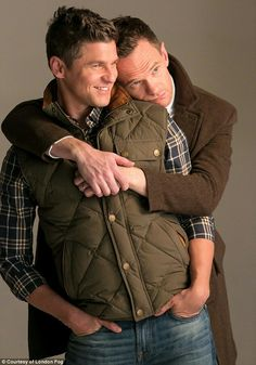 Gay Couple - Neil Patrick Harris & husband & David Burtka seriously smoulder in their new campaign for London Fog. David Burtka, Neil Patrick Harris, Cute Gay Couples, Famous Couples, Hugs, Himym, How I Met Your Mother, Man In Love, Celebrity Couples