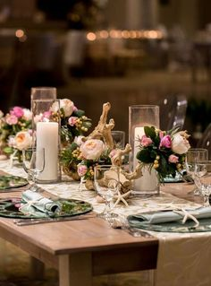 Natural décor is luxurious and fits every wedding theme and season. Today I'd like to inspire you with a whole bunch of adorable décor ideas with driftwood. Driftwood is amazing, first of all, for beach weddings but you can also...