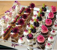 Dessert Party, Dessert Shots, Dessert Cups, Dessert Buffet, Mini Desserts, Party Desserts, Wedding Desserts, Christmas Desserts, Wedding Cake