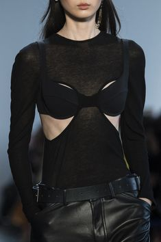 Dion Lee at New York Fashion Week Fall 2018 - Details Runway Photos New York Fashion, Runway Fashion, Fashion Show, Fashion Outfits, Womens Fashion, Fashion Trends, Dubai Fashion, Fashion Weeks, London Fashion