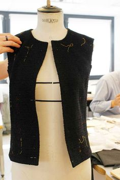 Atelier haute couture, sewing, Fashion atelier, fashion making, Making of the Chanel Little Black Jacket. © Chanel