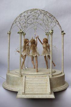 prieel by claudine roelens Polymer Clay Fairy, Polymer Clay Dolls, Fairy Dust, Fairy Land, Clay Fairies, Miniature Fairies, Flower Fairies, Fairy Figurines, Baby Fairy
