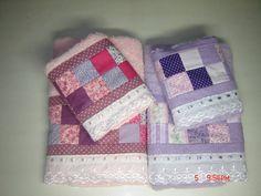 Jogo de toalhas 4 peças com aplicação em patchwork, trabalho artesanal.   Faço na cor de sua preferência.  Toalhas Dohler ou Karsten  Pode ser vendido separadamente BANHO - R$ 45,00 ROSTO - R$ 30,00 R$ 168,00
