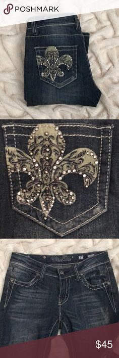Boot cut miss me jeans! Boot cut miss me jeans. Green design on the back pockets with diamonds. Size 27. Dark jean. Miss Me Jeans Boot Cut