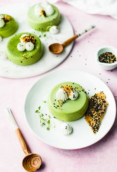 This silky and creamy Panna Cotta made with matcha green tea makes an impressive yet simple dessert. Serve with fresh whipped cream and black sesame brittle for a soft and crunchy balance. Tea Recipes, Gourmet Recipes, Dessert Recipes, Gourmet Foods, Mousse, Panna Cotta, How To Make Matcha, Matcha Dessert, Matcha Green Tea