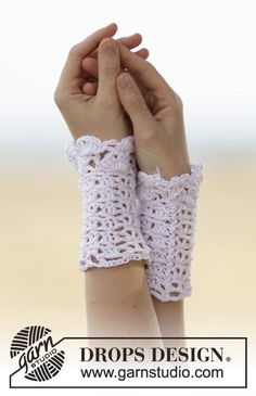 """Cute and sweet #crochet wrist warmers with fan pattern in """"Cotton Viscose"""""""