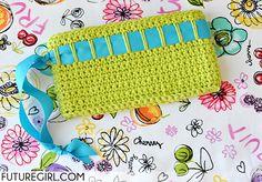Tutorial: Crochet a Lucky Wristlet