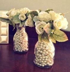 Mesa decorada com flores                                                                                                                                                                                 Mais