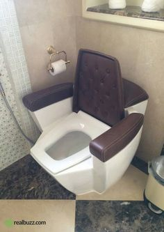 This throne is what every hero deserves after leg day! Tag someone who'd love this toilet