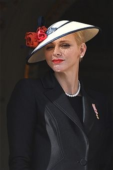 Princess Charlene of Monaco appears on the balcony of the Monaco palace during the National day on November 19, 2016 in Monaco, Monaco.