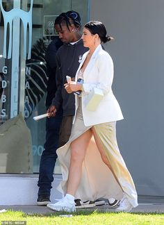 Kylie Jenner dons dress with thigh-high split with Travis Scott - Happy together: No doubt the two stars enjoyed the sunny day in LA together… - Kylie Jenner Photoshoot, Kylie Jenner Outfits, Kendall And Kylie Jenner, Travis Scott Kylie Jenner, Outfit Vestidos, Rapper, Outfits Mujer, Jenner Sisters, Kardashian Jenner