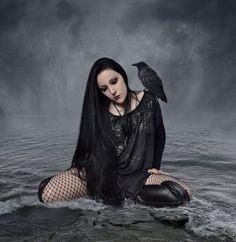 Dark/Fantasy Digital Artist   Instagram   Flickr   Facebook   Stock Model fernanda_brussi@hotmail.com