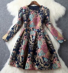 Gorgeous Vintage Design Long Sleeve Dress