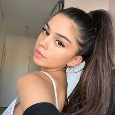 Girl Photo Poses, Girl Photography Poses, Girl Photos, Selfies Poses, Girls Selfies, Ideas For Instagram Photos, Instagram Girls, Cute Selfie Ideas, Poses For Pictures