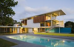 Revere Quality house in Florida by Guy Peterson Architects