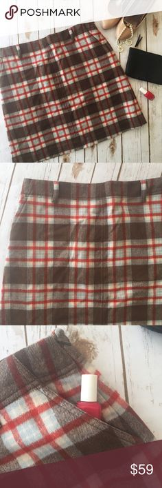 """NWT Eddie Bauer plaid cashmere wool blend skirt This is an adorable, trendy cashmere/wool blend pencil skirt. Perfect with a cream top or chambray button up for fall!  Measurements laying flat:  * Waist 17.5"""" * Length 20""""  Condition/Flaws * Brand new, tags still attached  Item # * RS9B.170917 Eddie Bauer Skirts"""