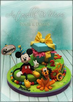 Minnie Mouse Birthday Theme, Mickey And Minnie Cake, Bolo Mickey, Fiesta Mickey Mouse, Mickey Cakes, Minnie Mouse Cake, Mickey Mouse And Friends, Mickey Mouse Clubhouse, Pluto Disney