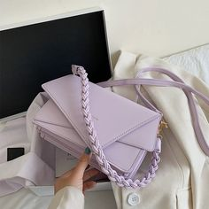 Trendy Purses, Unique Purses, Cute Purses, Looks Party, School Bags For Girls, Cute Bags, Luxury Bags, Fashion Bags, Fashion Outfits