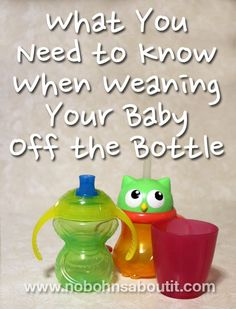 There comes a time when every baby will need transition from bottle to cup. Here are a few funny, easy tips for weaning your baby off the bottle. Get Baby, Baby Love, Baby Kids, Baby Sleep, Old Bottles, Baby Bottles, Weaning From Bottle, Transitioning To Sippy Cup, Baby Weaning