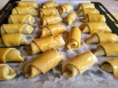 Svätomartinské rožteky (fotorecept) - recept   Varecha.sk Hot Dogs, Ale, Sausage, Ethnic Recipes, Food, Basket, Ale Beer, Sausages, Essen