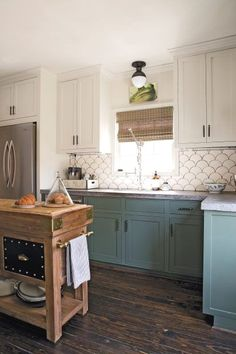 Uplifting Kitchen Remodeling Choosing Your New Kitchen Cabinets Ideas. Delightful Kitchen Remodeling Choosing Your New Kitchen Cabinets Ideas. Two Tone Kitchen Cabinets, Kitchen Redo, Home Decor Kitchen, Home Kitchens, Kitchen Backsplash, Green Cabinets, Soapstone Kitchen, Two Toned Kitchen, 10x10 Kitchen