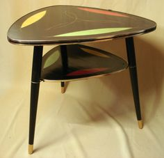 Vintage Triangle Tripod COFFEE TABLE black & by FindingsCreations, €146.00