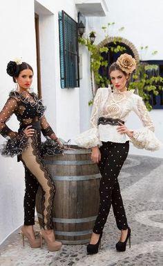 Spanish style – Mediterranean Home Decor Spanish Dress, Spanish Style, Runway Fashion, Fashion Beauty, Womens Fashion, Band Outfits, Flamenco Dancers, Flamenco Party, Frou Frou