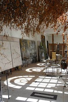 Claire Basler 's new studio - Chateau de Beauvoir - France Art Studio Design, Art Studio At Home, Home Art, Studio Layout, Claire Basler, Atelier Creation, Painters Studio, Flower Artwork, Dream Studio