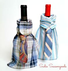 How to Make Wine Gift Bags from Upcycled Thrift Store Clothing - Crafty projects to accomplish - Dapper Drink: Upcrafted Wine Bag You are in the right place about thrift store crafts ideas Here we - Wine Bottle Gift, Wine Bottle Covers, Bottle Bag, Wine Bottle Crafts, Wine Gifts, Diy Bottle, Wine Gift Bags, Wine Tote, Homemade Fathers Day Gifts