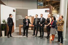Przemysław Strzyż, Dyrektor Marketingu, prowadzi event na stoisku PFLEIDERER - spotkanie z Oskarem Ziętą i przedstawicielami firm współpracujących z PFLEIDEREREM. Events
