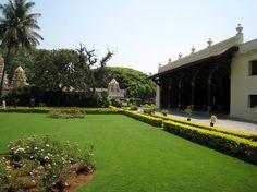 India - Architecture and Nature India Architecture, Nainital, Bangalore India, Summer Palace, Karnataka, Sidewalk, Mansions, House Styles, Garden